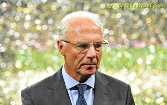 Beckenbauer da la bienvenida a Deschamps