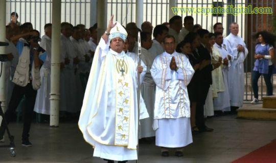 Monseñor tardó un mes en escribir su dura homilía para Caacupé
