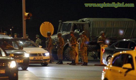 Turqu�a: 17 polic�as muertos y un helic�ptero derribado
