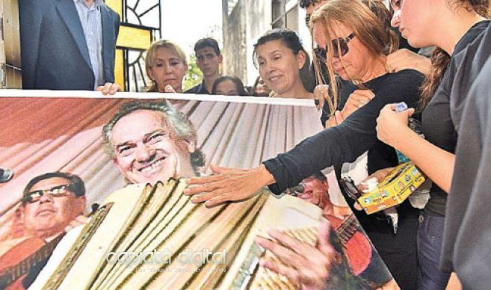 Con un homenaje musical despiden al artista Santos Lima