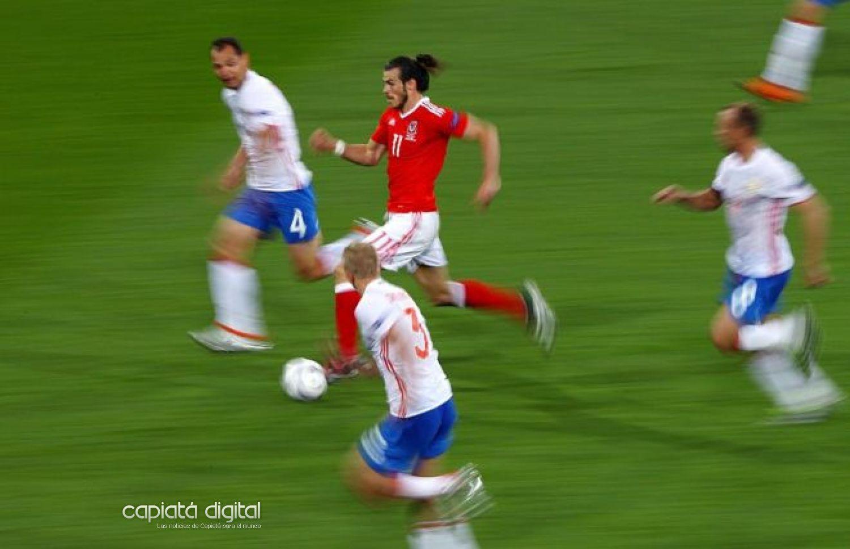 ¿Cuáles son los 10 jugadores de fútbol más veloces del planeta?