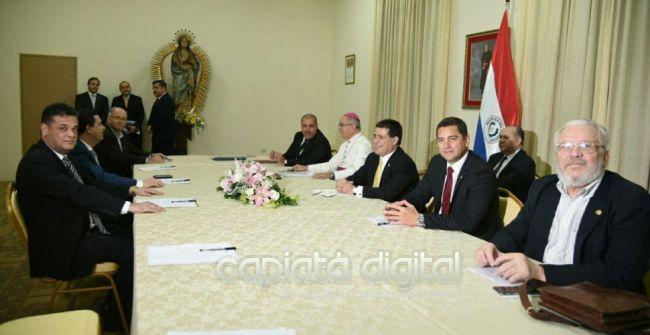 Oposición abandona la mesa de diálogo