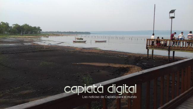 Miles de visitantes al lago en Areguá, que sufre una preocupante bajante