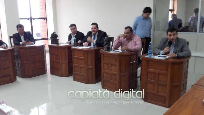 Hugo Nagel defiende suspensión irregular de sesión en la Junta de Capiatá