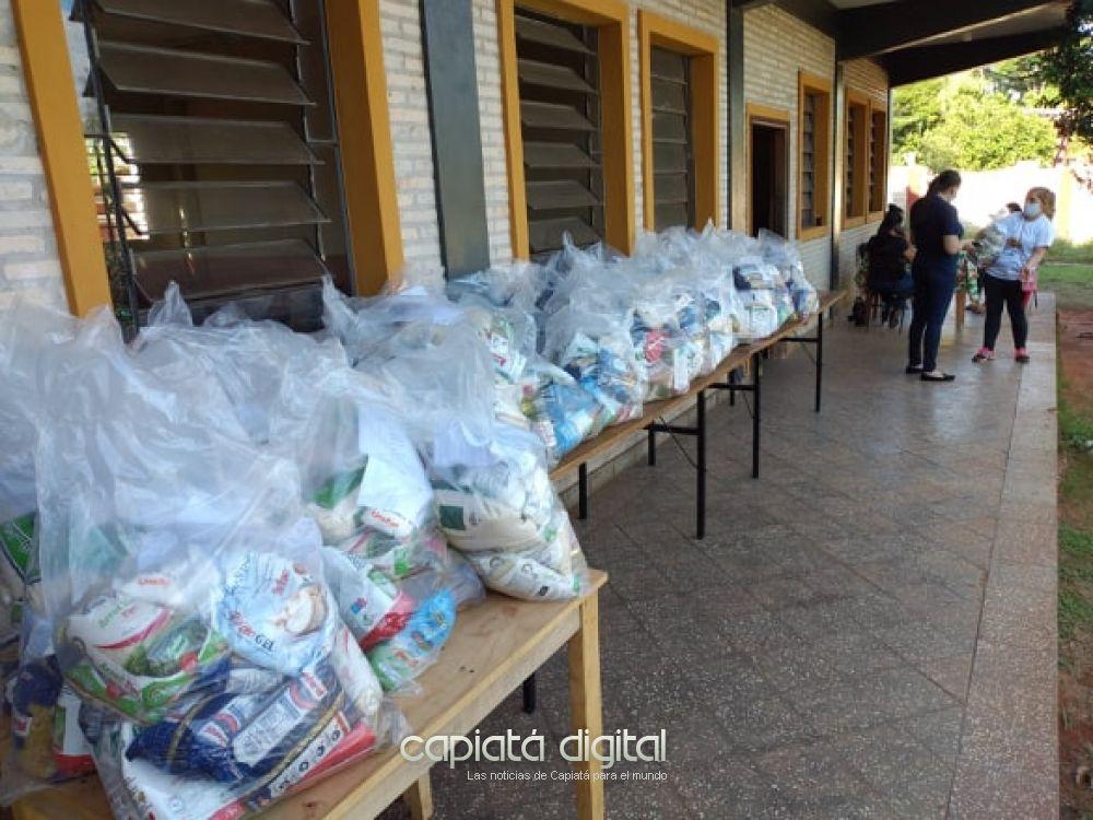 Gobernación de Central sigue entregando kits de alimentos